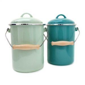 emaille-kompost-eimer-deckel-hellgruen-tuerkis-vorn